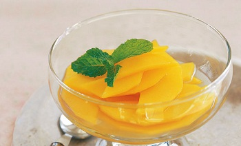 Быстрый десерт из манго